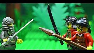 Grey ninja vs two robbers (LEGO)