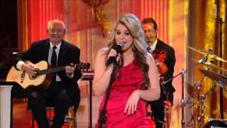"""Lauren Alaina performs """"Coal Miner's Daughter"""" 