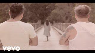 Marcos Llunas - No Te Vayas ft. Wally Mercado