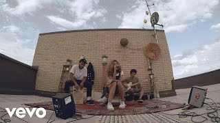 Izzy Bizu - Give Me Love (Rooftop Sessions)