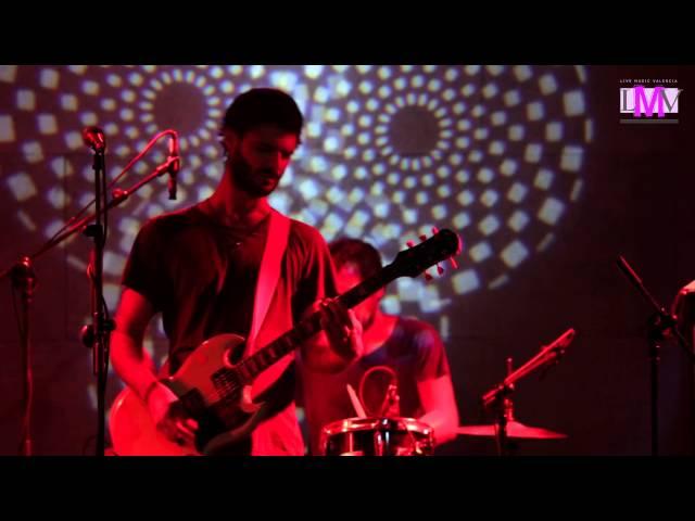 Vídeo de un concierto en 16 Toneladas.