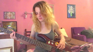 Queen - «Killer Queen» bass cover