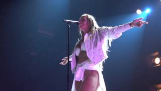 Niykee Heaton - Angel In A Centerfold LIVE HD (2016) Los Angeles The Mayan
