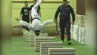 Teenager breaks World Record for crushing blocks with his head
