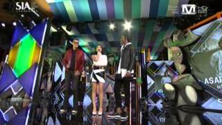 CL presents ASAP Rocky with Global Icon award at SIA 2013!