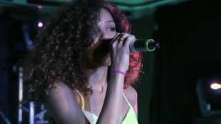 Izzy Bizu - White Tiger (Live at Glastonbury ETC 2014)