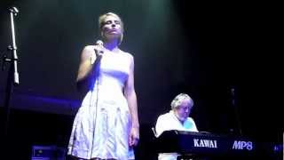 Gamine -  Toki Niwa Haha No Nai Ko No Yoni 時には母のない子のように (Live)