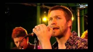 Kasabian - Underdog - 3OnStage Acoustic 2010 (1/3)