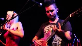 Jenny And The Mexicats - Frenético Ritmo (live)