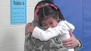 WOW VIDEO - Back from War, a Chicago Soldier Surprises Kids at School