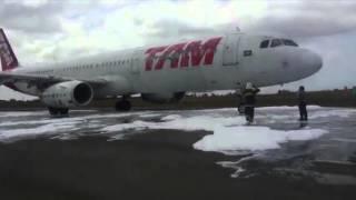 Piloto evita acidente com avião durante pouso na capital