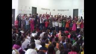 Crianças iguais escola Jacyra Moya - 2012