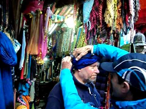 Mick is shown how to tie a Berber turban whilst away with Specialist Morocco in Marrakech