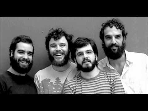 A Turma Do Funil de Los Hermanos Letra y Video