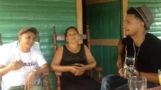Grupo exenxia le canta a su madre