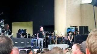 "Papa Roach ""Burn"" live X-Fest '10"
