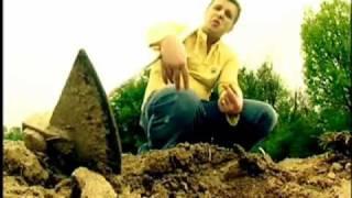 Fara Zahar - 4/69 (Official Video)