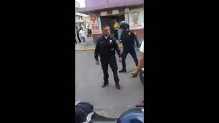 Policía golpeado parte 1