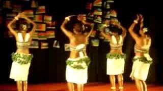fijian girls  dancing in india 3 - pate pate