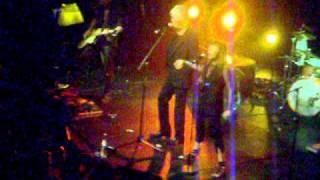 """Brigitte Fontaine et Jacques Higelin au Bataclan """"Duel"""" (juin 2011)"""