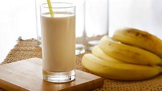 How to make banana milkshake.