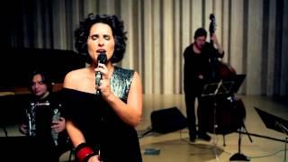 "Cristina Branco ""Invitation au Voyage"""