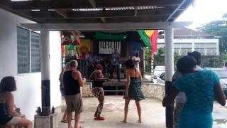 Live reggae music Negril at drifters pub!