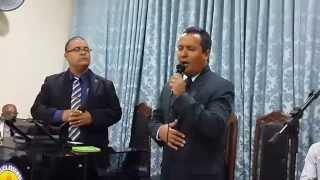 Pr. Jovalto Souza e Pr. Gilvan Souza louvando (outra vez - Armando Filho)