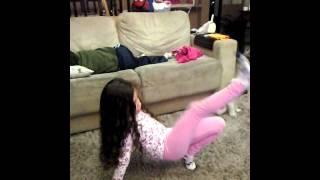 Sofia dançando watchme
