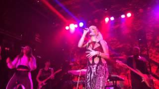 Rita Ora - Poison / Hotline Bling (live)