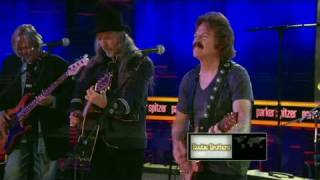 CNN: The Doobie Brothers perform 'Nobody'