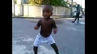 Criança dançando Funk WWW.TOPFUNK.NET