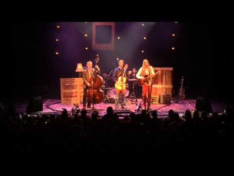 The Wood Brothers At Chicagos Thalia Hall Doing Pyt Pretty