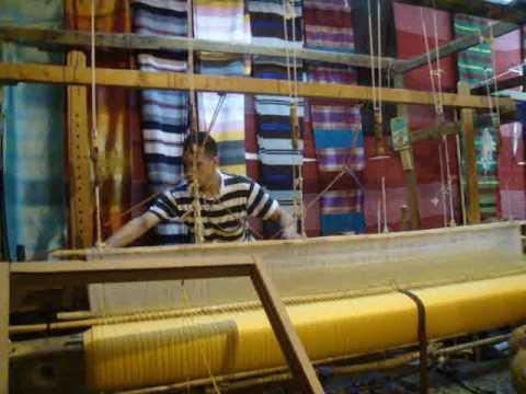 Weaving loom Fès Morocco.wmv