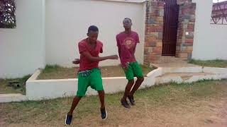 ALLO DANCERS DANCE TO NEW AFROBEAT...(HOME ALONE DANCERS...)