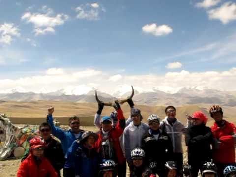 Cycling in Tibet Nepal Friendship Highway (Thong La pass)