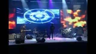 Gino Vannelli -People Gotta Move Java Jazz Festival.avi