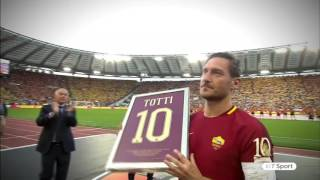 Supporters honour Francesco Totti in his final ever game for Roma