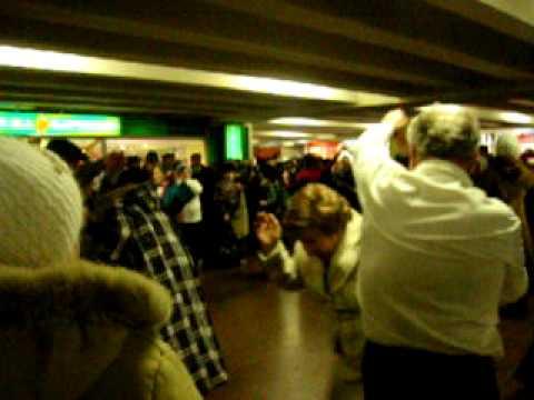 Ukraine: People Are Dancing In Kyiv