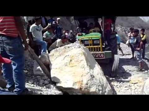 Landslide removing, Sunkoshi Nadi valley, east Nepal