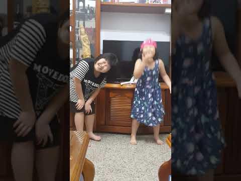 2018新泰國小 低1~204翁O棠 幼  翁O喬 黑婆婆與粉紅貓 pic