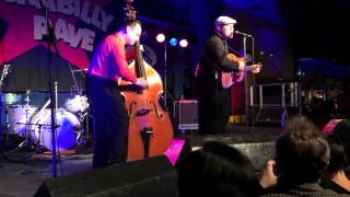 Mayhem Live @ The Rockabilly Rave: Ike & The Capers [2015]
