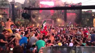 Showtek - Booyah (Live @ Tomorrowland 2013)