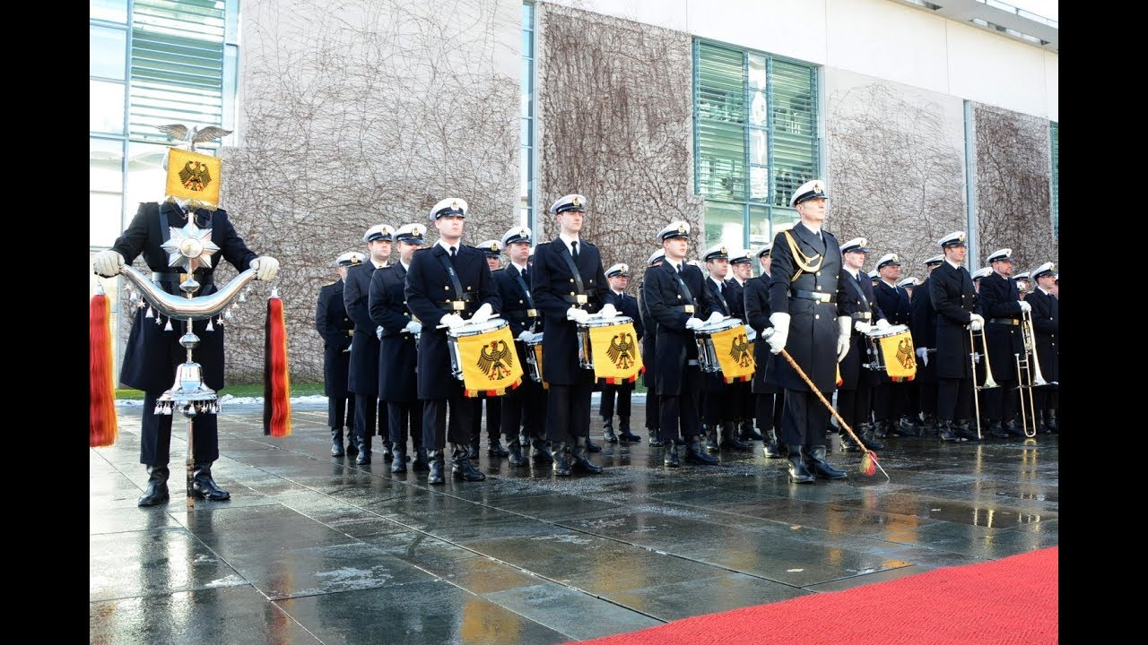 Prussia's Gloria – Bundeswehr's Honor Company and the German Army Band – Federal Chancellery