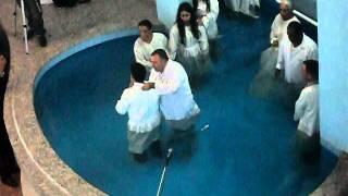 BATISMO NA IGREJA EVANGELICA ASSEMBLEIA  DE DEUS  DE  MINISTERIO DE SANTO AMARO NO BRASIL