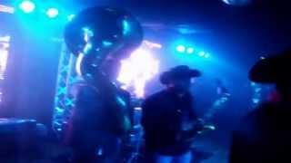 GUSTAVO ARIEL Y DKDA MUSICAL AT V LIVE SERA POR QUE TE AMO Y CAMARON PELAO