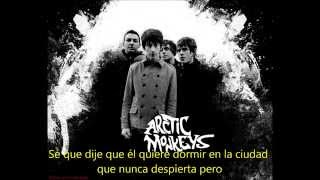 Old Yellow Bricks- Arctic Monkeys- Subtitulado