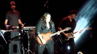 Ana Carolina - Vitória - 01/09 - A Canção tocou na Hora Errada (trecho final)