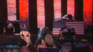 Kesha Tik Tok Live With Lyrics on the screen