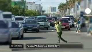 Guarda de trânsito nas Filipinas! Tá Bonito
